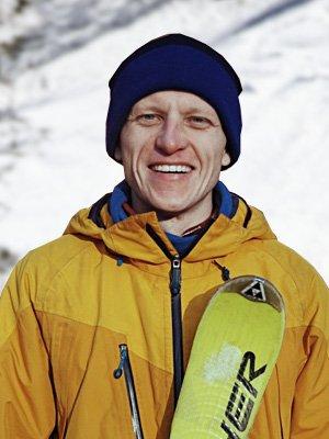 Александр Яровиков – инструктор лыжной школы «Каштан»